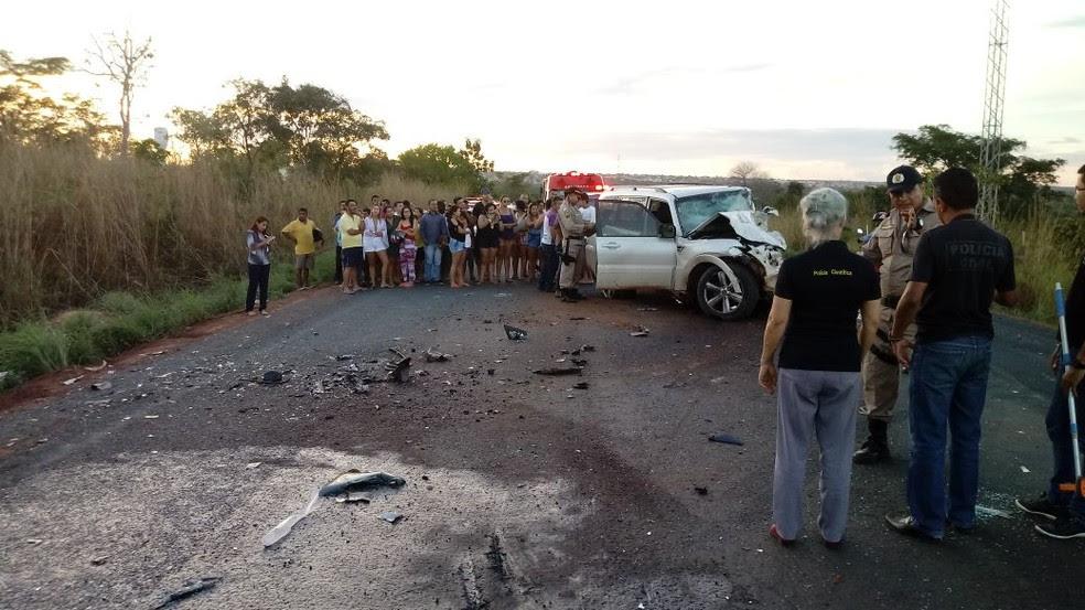 Acidente envolveu dois veículos na TO-222 (Foto: Divulgação)
