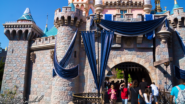 Disneyland Resort, Disneyland, Sleeping, Beauty, Castle, Disneyland60, Bling, Diamond, 60th, Anniversary
