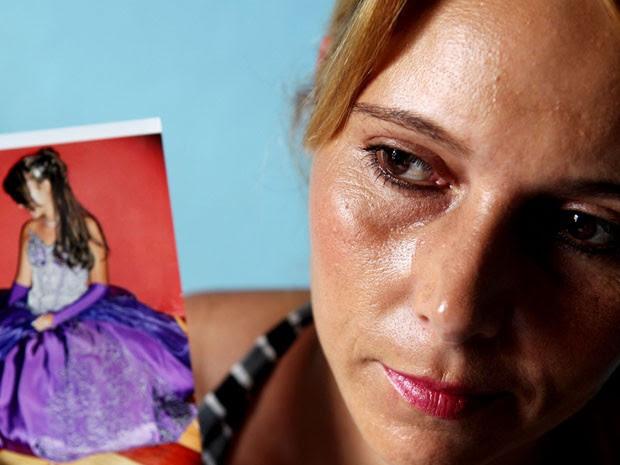 Alexsandra da Silva diz que filha viajou com passaporte e visto válidos (Foto: Tiago Queiroz/Estadão Conteúdo)
