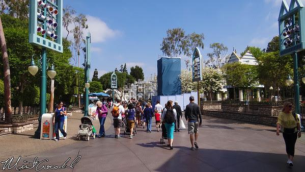 Disneyland, Small World Mall
