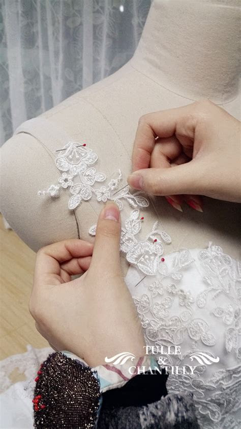 {Design Your Own Wedding Dress} Delicate Customized