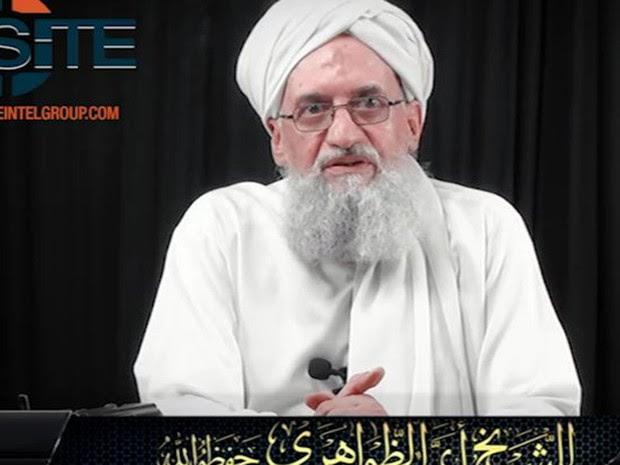 O líder da Al-Qaeda, Ayman al-Zawahiri, em vídeo sobre o 11 de Setembro divulgado na sexta (9) (Foto: Reprodução/Twitter/SITE)