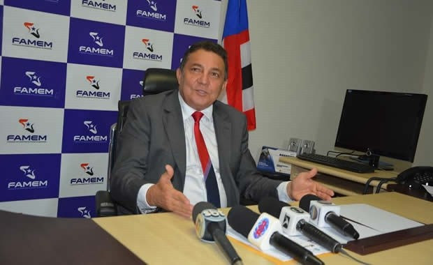 Tema solicita repasse integral de recursos do Fundeb para garantir pagamento do 13º nos municípios