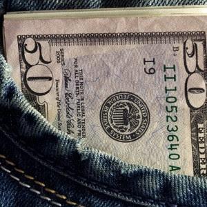 http://theeconomiccollapseblog.com/wp-content/uploads/2015/03/Cash-Public-Domain1-300x300.jpg