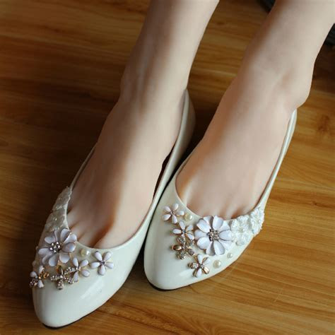 2015 New Fashion Appliques Rhinestone Pointed Flats Solid