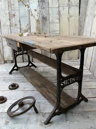 mesas hechas con maquinas de coser  antiguas -