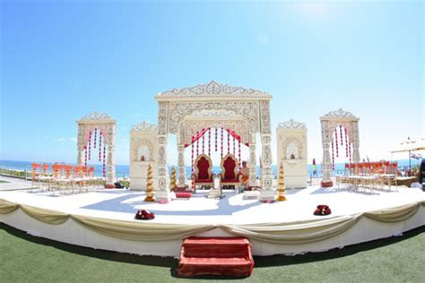 Beach Side Hindu Wedding Ceremony   Maharani Weddings
