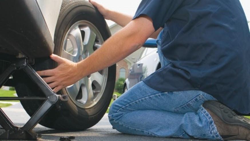 changing tire ile ilgili görsel sonucu
