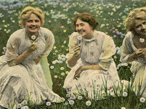 Vintage Dandelion Ladies Image   Cute!   The Graphics Fairy