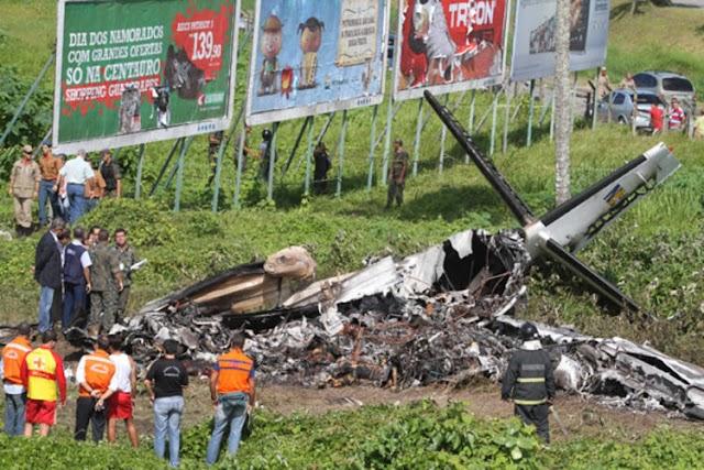 Caixa-preta registra últimos momentos do voo 4896