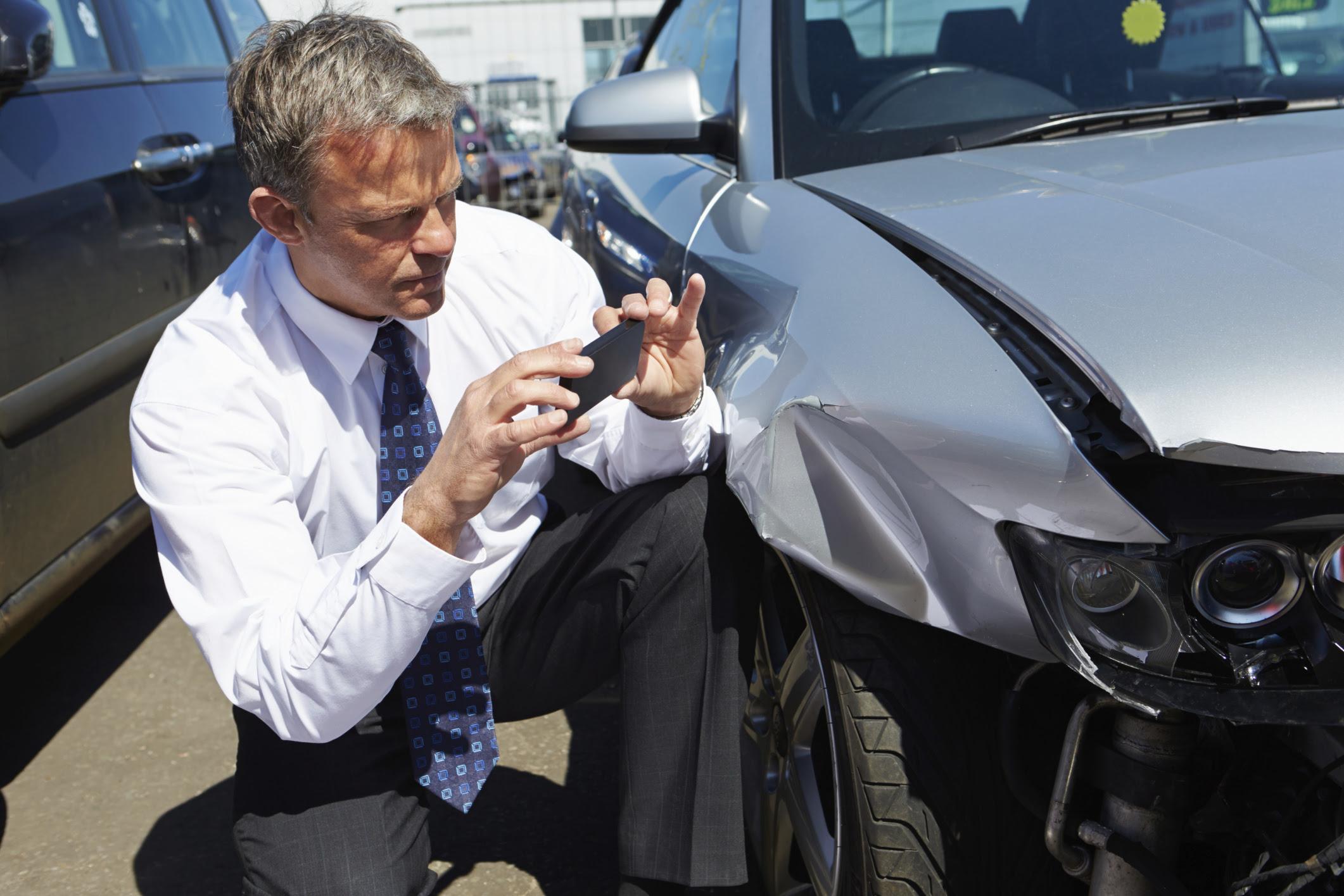 Memphis Car Accident Lawyer David E. Gordon  Free Consultations