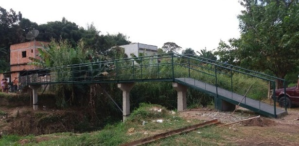 RJ: Em mutirão, moradores constroem com R$ 5.000 ponte orçada em R$ 270 mil
