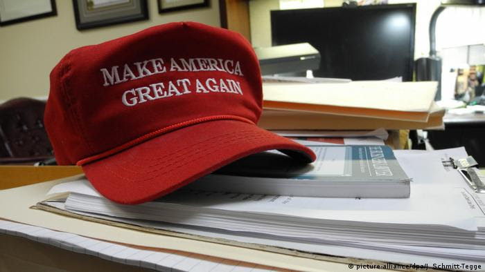 Kappe make America great again (picture-alliance/dpa/J. Schmitt-Tegge)