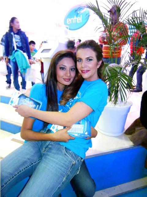 Las cochabambinas y reinas de belleza Maria Rene Carmona y Dominique Peltier