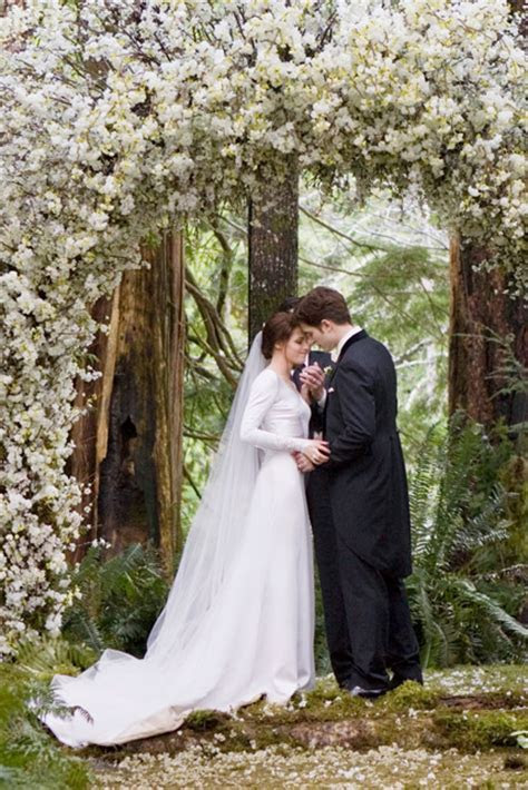 Bella Swan's Twilight Wedding Dress Is Up For Auction