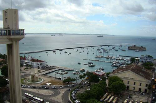 Elevador Lacerda e vista da baía