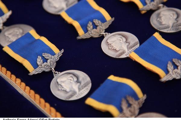 Entrega da Medalha Mérito Santos Dumont