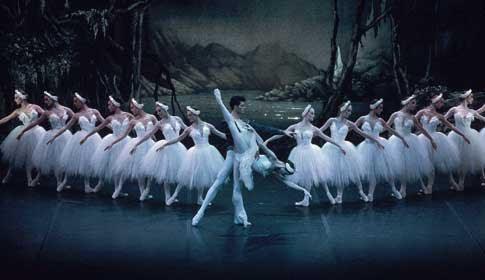 http://marimontenegro.files.wordpress.com/2007/09/o-lago-dos-cisnes-apresentado-pelo-london-citty-ballet-1988.jpg