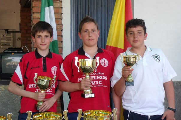 Podium-Infantiles-XV-Copa-Federación-de-bolo-andaluz