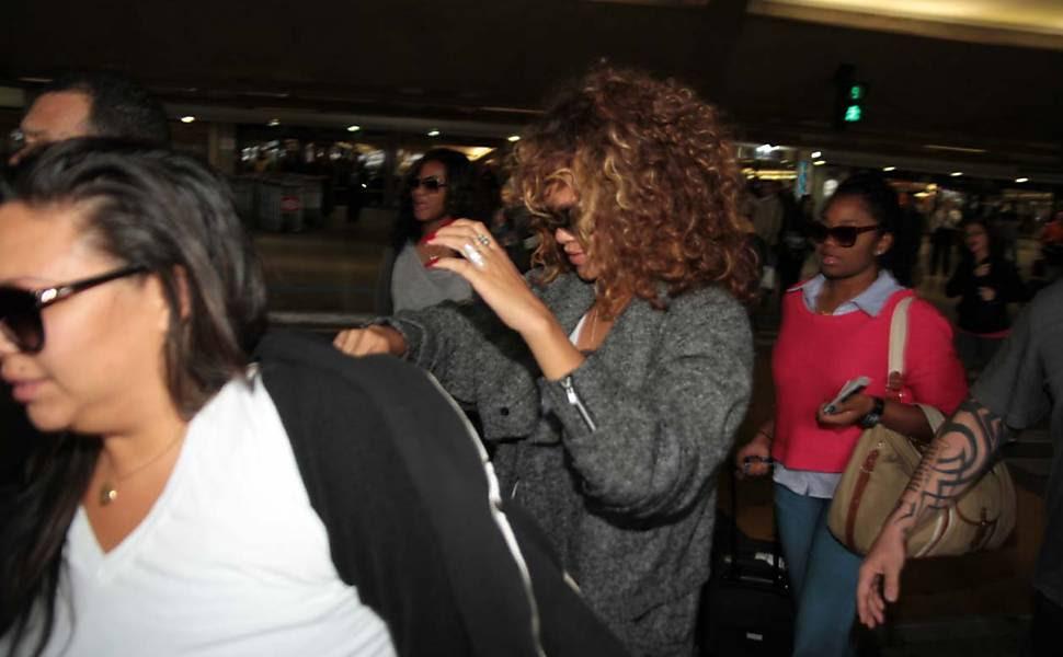 Rihanna ainda se apresenta no primeiro dia do festival Rock in Rio, no dia 23 Leia Mais