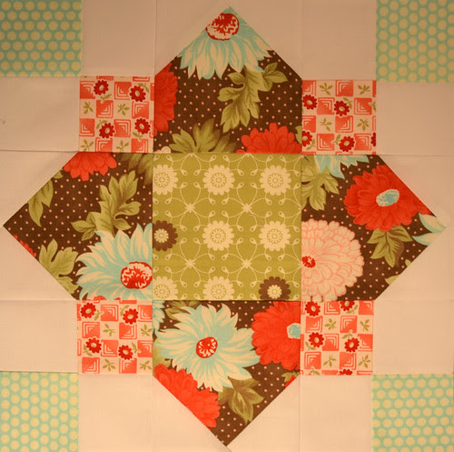 Quatrefoil Block for Alisha - Modern Blocks Bee