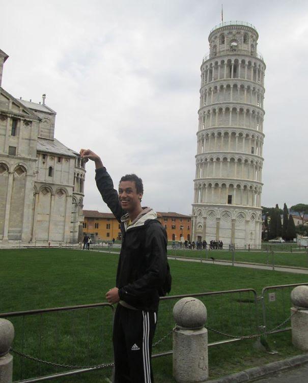 Pisa Kulesi ile çekilmiş komik fotoğraflar