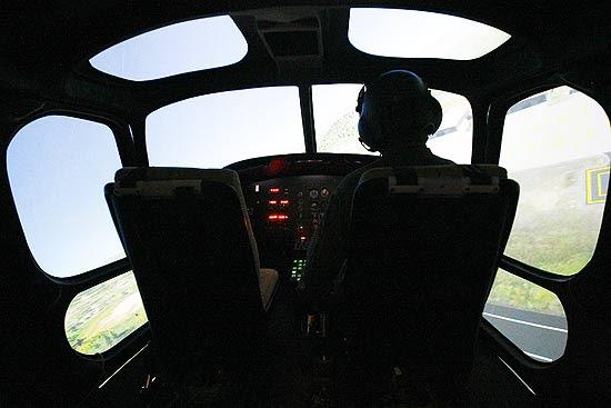 Simulador de voo de helicóptero modelo esquilo, com tecnologia nacional, destinado a equipar o Comando de Aviação do Exército