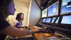 Criança passa por teste para detectar autismo | Crédito: Kay Hinton, Emory University