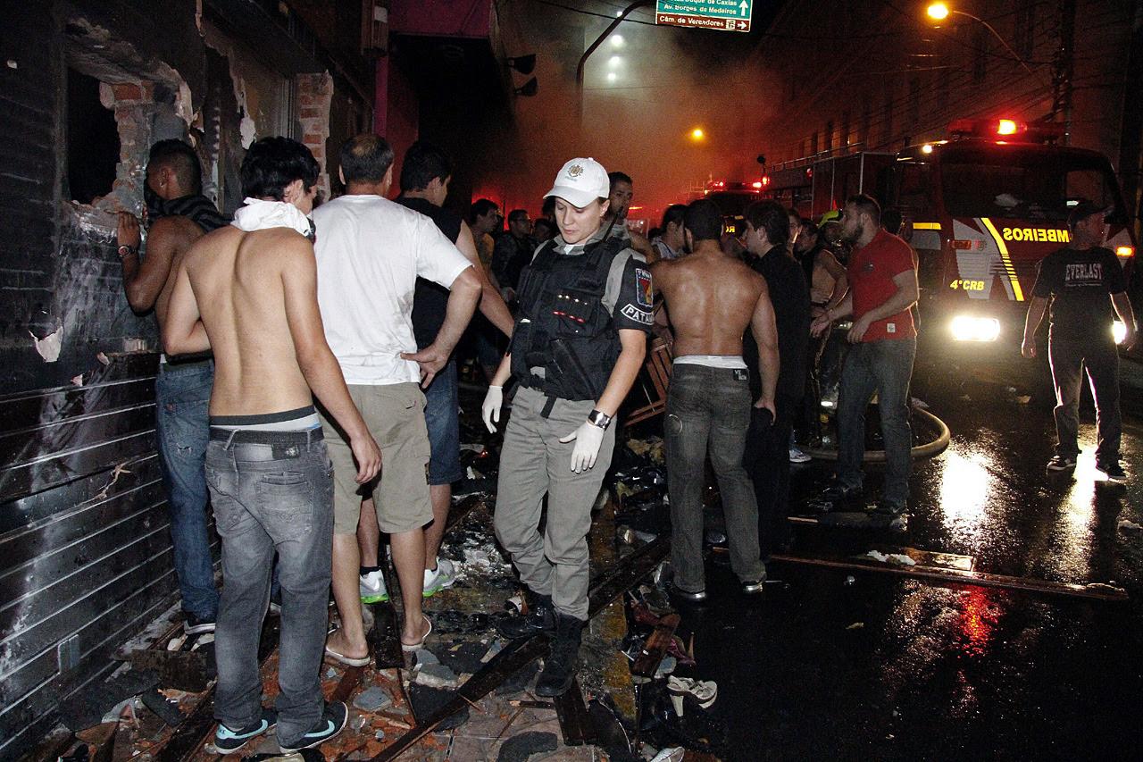 Tras el incendio que provocó la muerte de más de 233 personas, se conoció que la habilitación de ladisco Kissestaba vencida. (EFE)