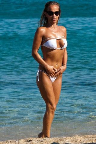 Αυτή είναι η σέξι Ελληνίδα που φλερτάρει ο Καρεμπέ (Εικόνες)