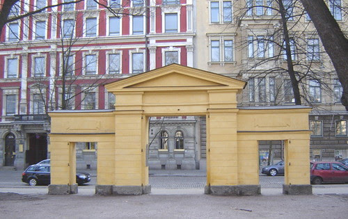 Vanhan kirkkopuiston portti