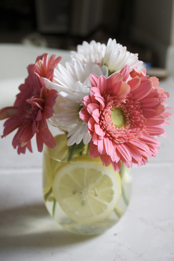 DIY Daisy Wedding Centerpieces | Weddingbee