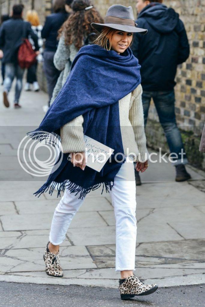 photo london-fashion-week-lfw-fall-2015-street-style-tommy-ton-style.com-4_zpshenwrpcl.jpg
