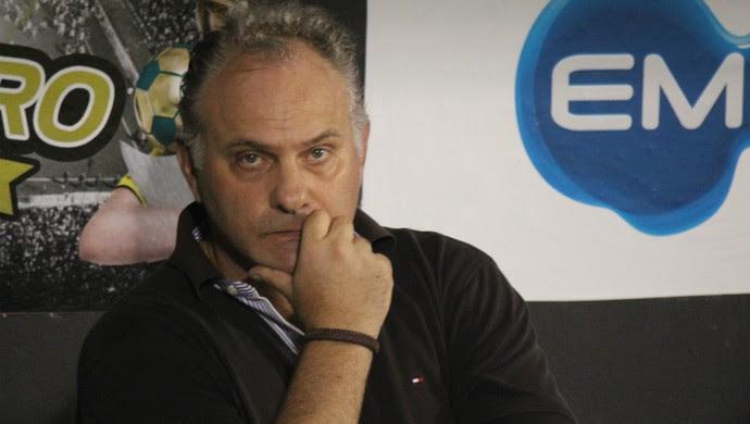 Toninho Cecílio, técnico do ABC (Foto: Augusto Gomes/GloboEsporte.com)