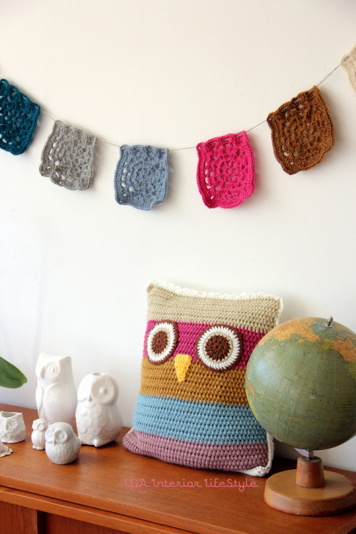 craftypigeon:  I want that owl pillow!!