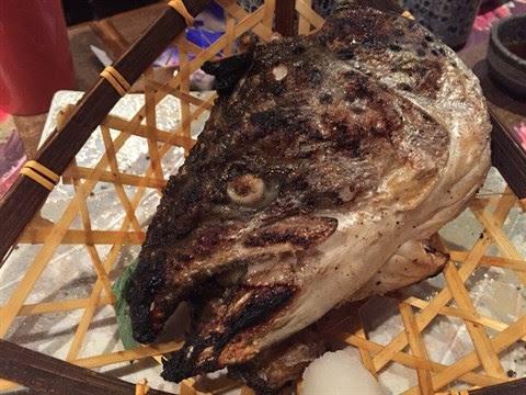 鹽燒三文魚頭 - 旺角的鳴門魚市場居酒屋