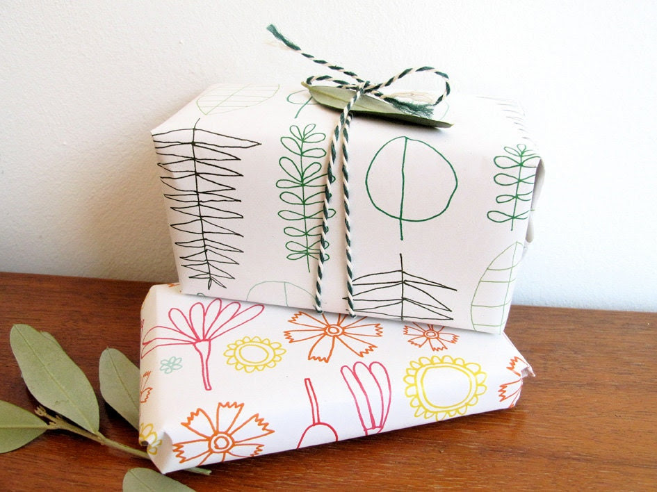 Printable gift wrap paper - leafs and flowers