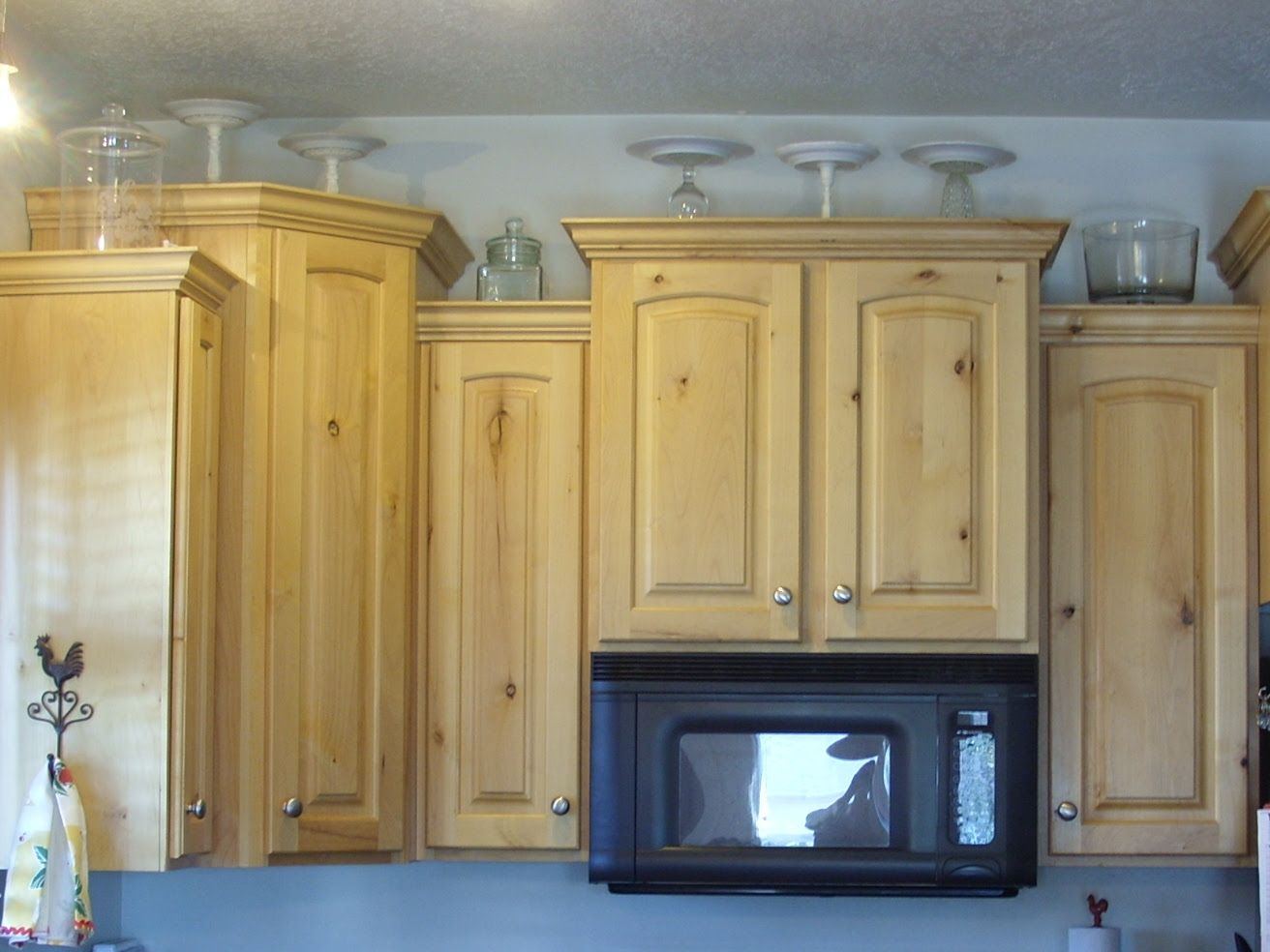 Top Of Kitchen Cabinet Decorations Feed Kitchens