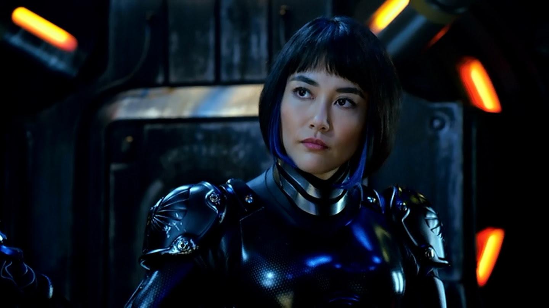 Mako Mori's blue streaks.