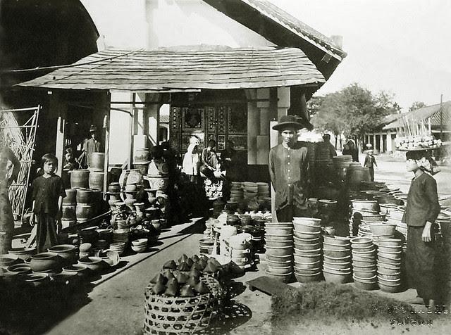 Saigon vers 1930 - Marchand de poterie