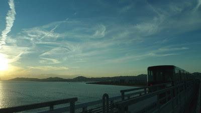 神戸空港へ。
