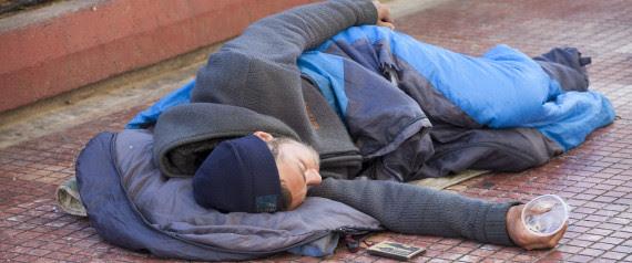 Αποτέλεσμα εικόνας για αστεγοι Έλληνες στην Αθήνα