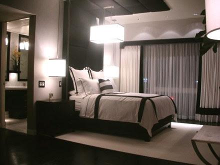 Modern Bedroom Design in Black and White