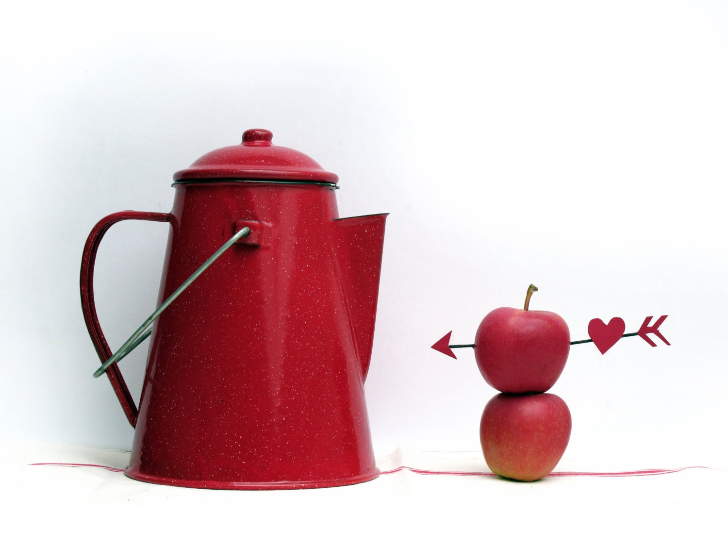 Red kitchen,large  vintage enamel coffee pot , Cherry Red enamelware Teapot, Red and Black - FrenchMelody