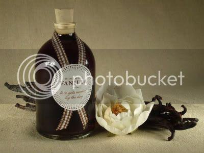 DIY Homemade Vanilla Favors 1