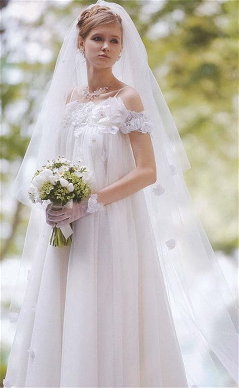 69 best Loose / Flouncy Wedding Dress images on Pinterest