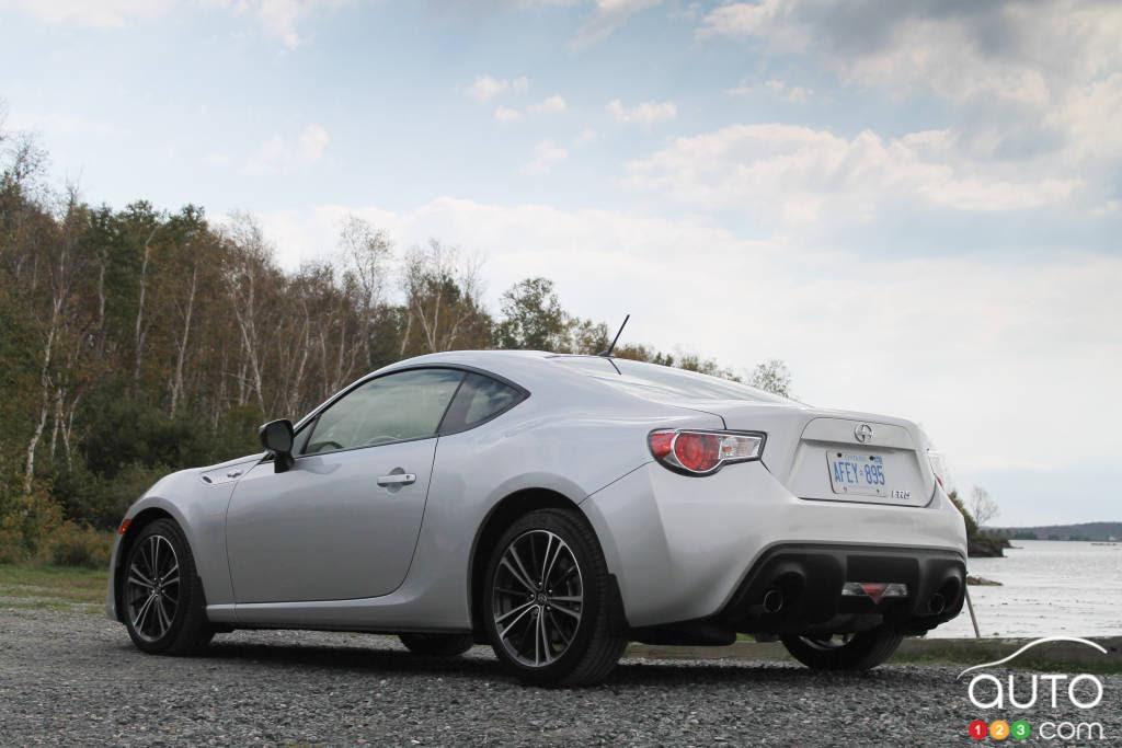 2013 Scion FR-S | Car Reviews | Auto123