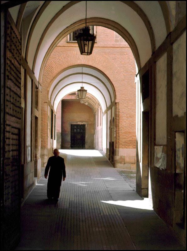 Palacio Arzobispal de Toledo en 1968. Fotografía de John Fyfe