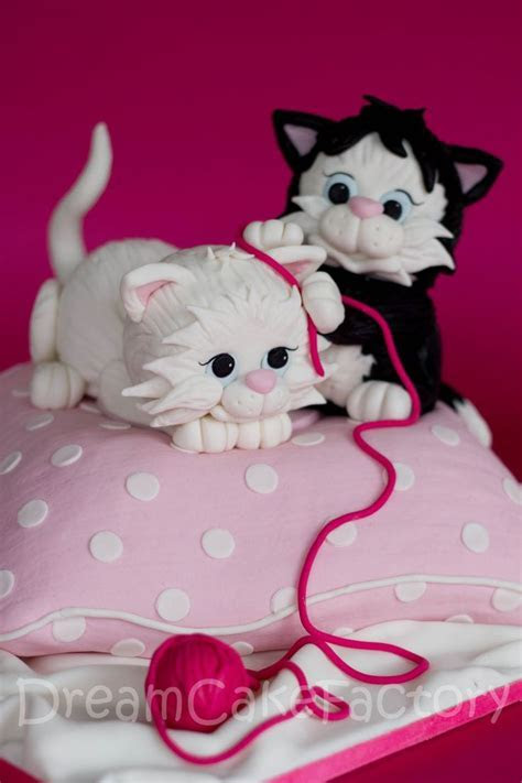 1097 best Cat Cakes images on Pinterest   Animal cakes