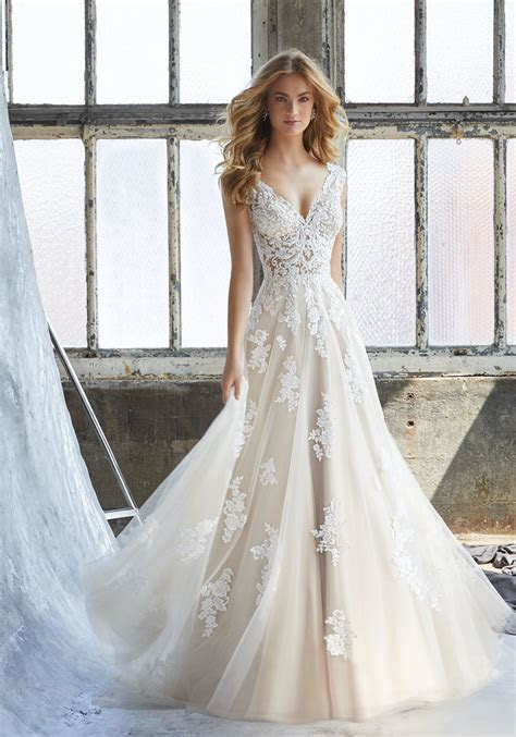 China Tulle Appliqued Bridal Gown Cream Lace Beach